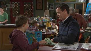 Callum Jones, Mickey Gannon, Ben Kirk, Paul Robinson, Lou Carpenter in Neighbours Episode 5581