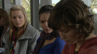 Donna Freedman, Rachel Kinski, Bridget Parker in Neighbours Episode 5582