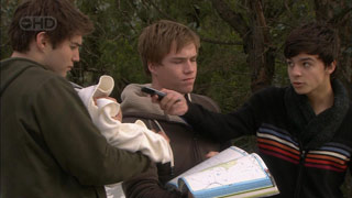Declan Napier, Ringo Brown, Zeke Kinski in Neighbours Episode 5582