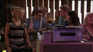 Steph Scully, Toadie Rebecchi, Dan Fitzgerald, Libby Kennedy in Neighbours Episode 5583