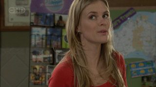 Elle Robinson in Neighbours Episode 5590