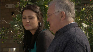 Carmella Cammeniti, Harold Bishop in Neighbours Episode 5590