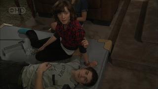 Bridget Parker, Declan Napier in Neighbours Episode 5593