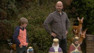 Mickey Gannon, Steve Parker in Neighbours Episode 5594