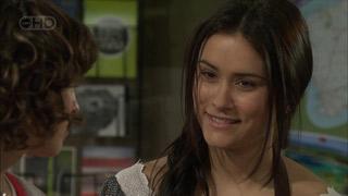 Bridget Parker, Carmella Cammeniti in Neighbours Episode 5595