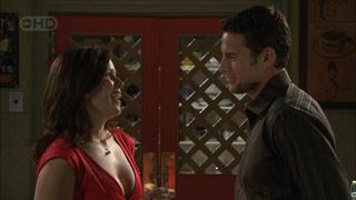 Rebecca Napier, Andrew Simpson in Neighbours Episode 5595