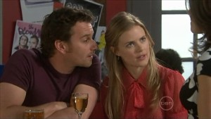 Lucas Fitzgerald, Elle Robinson in Neighbours Episode 5600