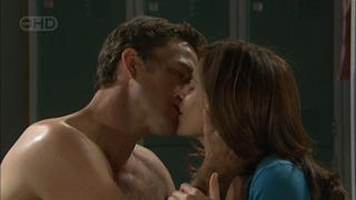 Andrew Simpson, Rebecca Napier in Neighbours Episode 5601