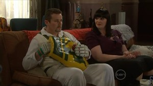 Toadie Rebecchi, Kelly Katsis in Neighbours Episode 5605