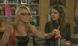Donna Freedman, Rachel Kinski in Neighbours Episode 5616