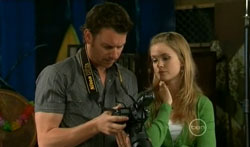 Lucas Fitzgerald, Elle Robinson in Neighbours Episode 5618