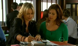 Steph Scully, Rebecca Napier in Neighbours Episode 5618