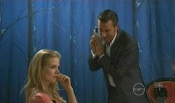 Elle Robinson, Lucas Fitzgerald in Neighbours Episode 5619