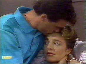 Paul Robinson, Gail Robinson in Neighbours Episode 0686