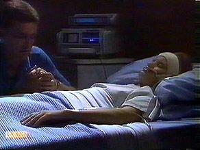 Des Clarke, Daphne Clarke in Neighbours Episode 0686