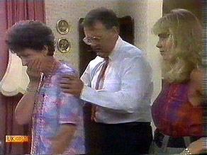 Nell Mangel, Harold Bishop, Jane Harris in Neighbours Episode 0686