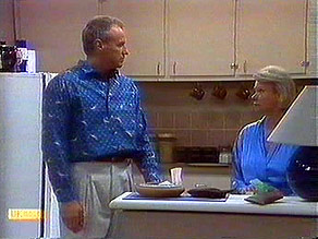 Jim Robinson, Helen Daniels in Neighbours Episode 0688