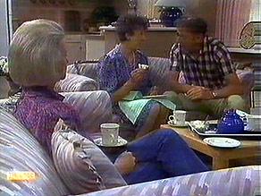 Helen Daniels, Nell Mangel, Frank Darcy in Neighbours Episode 0688