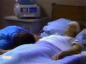 Des Clarke, Daphne Clarke in Neighbours Episode 0689