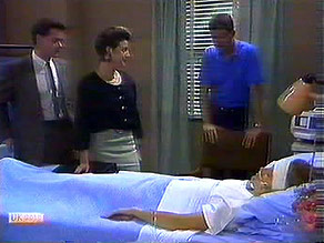 Paul Robinson, Gail Robinson, Des Clarke, Daphne Clarke in Neighbours Episode 0689