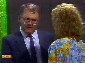Harold Bishop, Madge Bishop in Neighbours Episode 0689