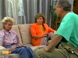 Helen Daniels, Beverly Marshall, Jim Robinson in Neighbours Episode 0950
