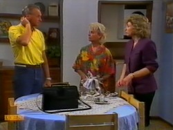 Jim Robinson, Helen Daniels, Beverly Marshall in Neighbours Episode 0950