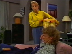 Bronwyn Davies, Henry Ramsay in Neighbours Episode 0950