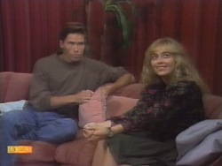 Mike Young, Jane Harris in Neighbours Episode 0953