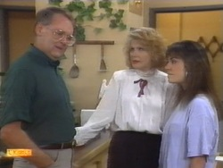 Harold Bishop, Madge Bishop, Kerry Bishop in Neighbours Episode 0953