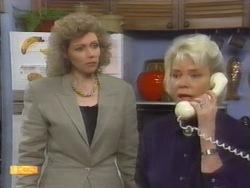 Beverly Robinson, Helen Daniels in Neighbours Episode 0953