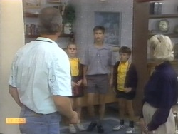 Jim Robinson, Katie Landers, Todd Landers, Toby Mangel, Helen Daniels in Neighbours Episode 0954