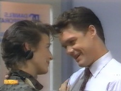 Gail Robinson, Paul Robinson in Neighbours Episode 0954