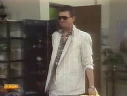Des Clarke in Neighbours Episode 0954