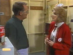 Harold Bishop, Madge Bishop in Neighbours Episode 0954