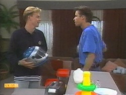 Scott Robinson, Mike Young in Neighbours Episode 0955