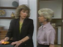 Beverly Robinson, Helen Daniels in Neighbours Episode 0956