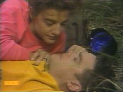 Gail Robinson, Paul Robinson in Neighbours Episode 0957