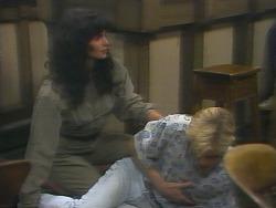 Poppy Skouros, Scott Robinson in Neighbours Episode 0957
