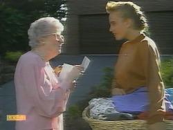 Liz Anderson, Bronwyn Davies in Neighbours Episode 0958