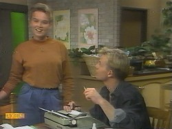 Bronwyn Davies, Scott Robinson in Neighbours Episode 0958