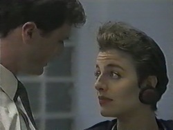 Kevin Harvey, Gail Robinson in Neighbours Episode 0965