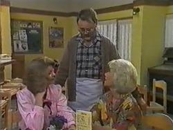 Madge Bishop, Harold Bishop, Helen Daniels in Neighbours Episode 0966