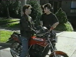 Mike Young, Matt Robinson in Neighbours Episode 0968