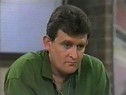 Des Clarke in Neighbours Episode 0971