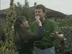 Kerry Bishop, Des Clarke in Neighbours Episode 0971