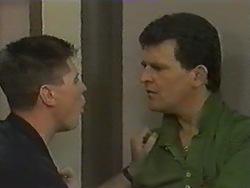 Joe Mangel, Des Clarke in Neighbours Episode 0971