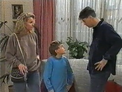 Noelene Mangel, Toby Mangel, Joe Mangel in Neighbours Episode 0972