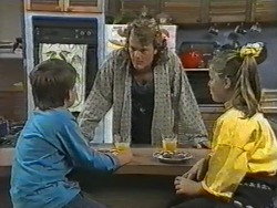 Toby Mangel, Henry Ramsay, Katie Landers in Neighbours Episode 0972