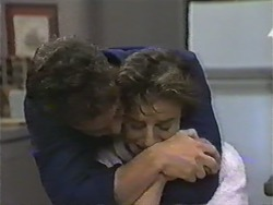 Paul Robinson, Gail Robinson in Neighbours Episode 0972